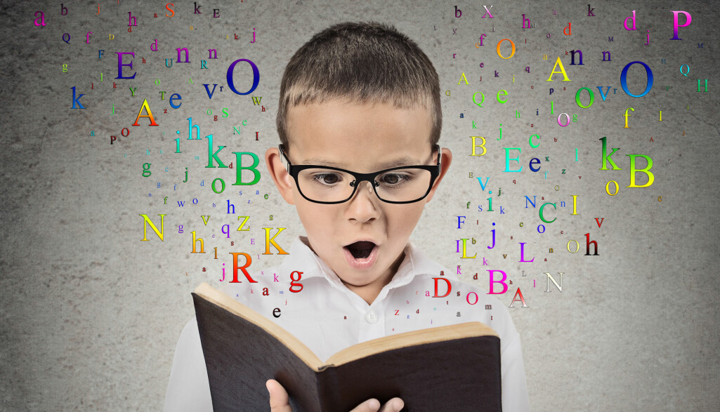 ABC. Gi barna to eller flere nye bokstaver i uka. Et viktig prinsipp bak rask bokstavprogresjon er at det gir elevene muligheter til å delta i meningsfulle lese- og skriveaktiviteter tidligere.