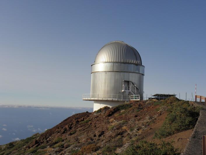 Nordic Optical Telescope er et teleskop som ligger på La Palma på Kanariøyene. Teleskopet ble bygget i 1988 og var finansiert av Norge Sverige, Finland og Danmark. (Foto: Christoffer H. Støle/Wikimedia Commons)
