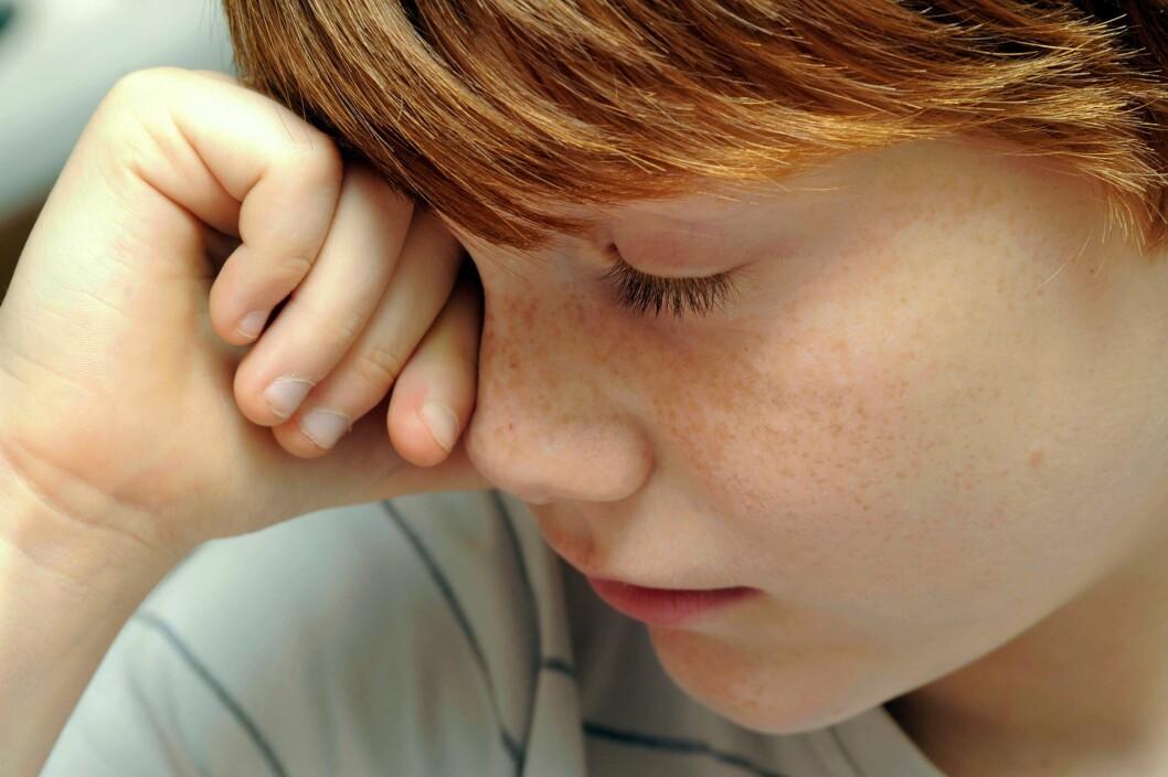 Mange elever er borte fra skolen når de er trøtte eller har andre diffuse plager. (Illustrasjonsfoto: Colourbox)