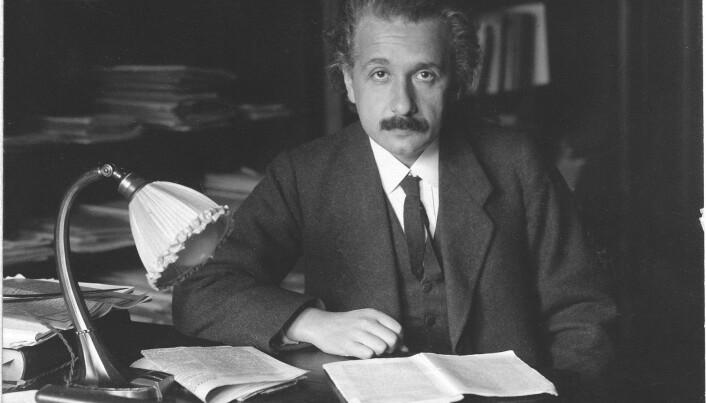 Einstein var også teoretisk motivert da han utviklet relativitetsteorien, ifølge Karen Crowther.