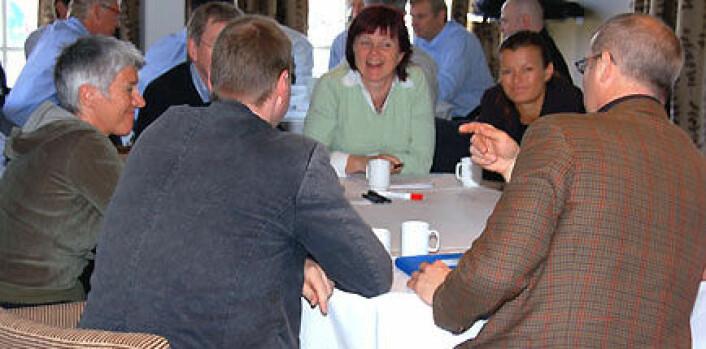 """""""Forvaltningen deltar. Deltagere fra kommuner og fylkeskommuner diskuterer hvordan offentlig forvaltning kan legge til rette for langsiktig næringsutvikling og sysselsetting."""""""