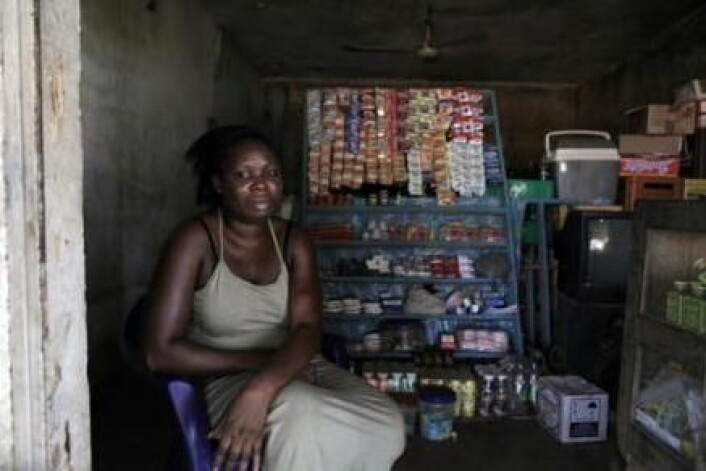 Noen kvinner starter små forretninger. Håpet er at det vil forsørge familiene deres. (Foto: Janus Metz)