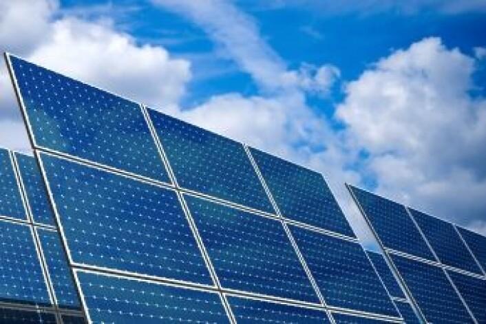 Forskerne utnytter vismutferritts fotovoltaiske egenskaper. Den samme effekten driver solcellepaneler. (Illustrasjonsfoto: iStockphoto)