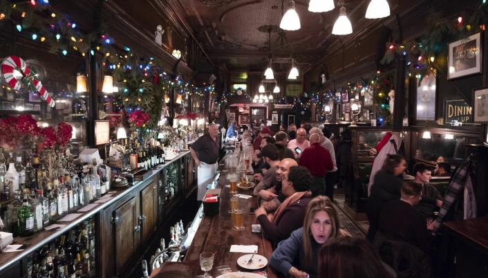 Baren Old Town Bar åpnet i New York i 1892. På 1920-tallet fungerte stedet som et ulovlig spritutsalg. I dag forsøker stedet å gjenskape noe av atmosfæren fra 100 år tilbake.
