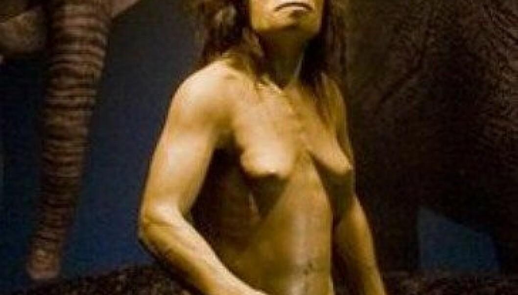 Denne rekonstruksjonen av Homo floresiensis står på naturhistorisk museum i Tokyo. National Museum of Nature and Science, Tokyo