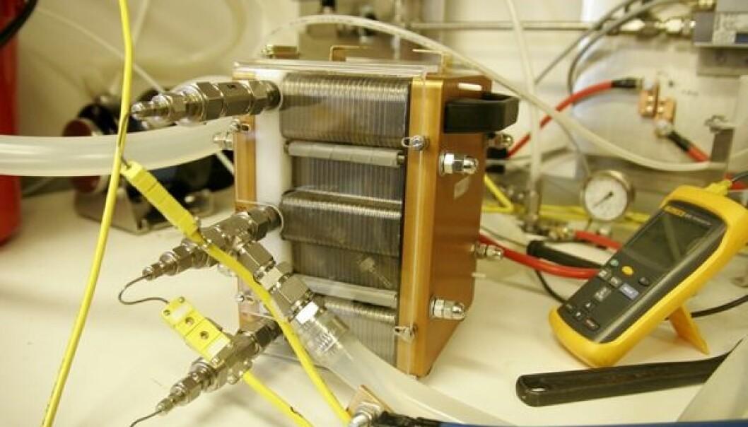 """""""Denne PEM-brenselcellen på 1,2 kW skal knyttes sammen med solpaneler, litiumbatterier og en superkondensator."""""""