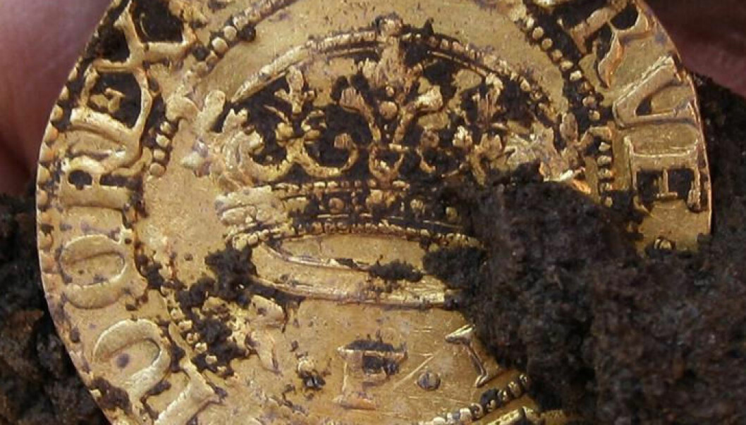 De doble gullkronene veier omkring seks gram. I 1628 var det svært mye. Til sammenligning veier dagens danske tikrone cirka syv gram. Tobias Bondesson