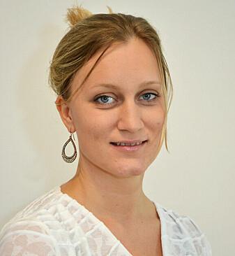 Elisabeth Holen-Rabbersvik er teamleder for utvikling og kompetanse i helse og mestring i Kristiansand kommune. Hun er også tilknyttet Senter for e-helse ved Universitetet i Agder.