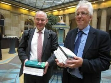 John Erik Fossum og Erik Oddvar Eriksen mener eurokrisen kan styrke felleskapet i Europa.