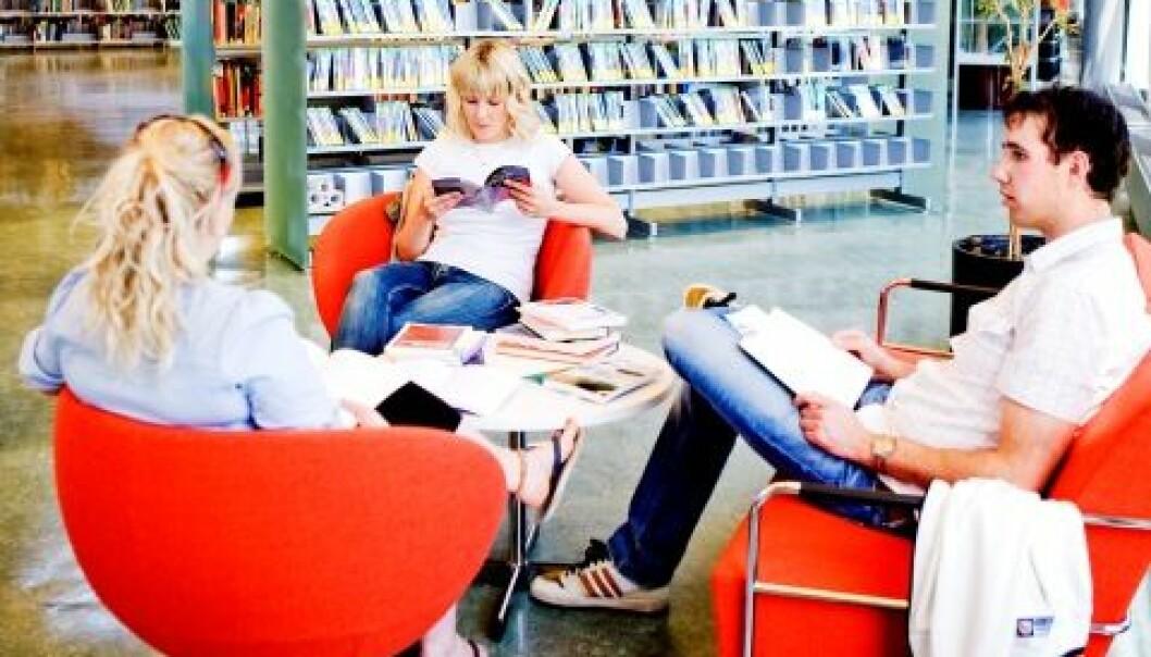 Universitetet i Stavanger har de mest mobile doktorgradsstudentene i Norge. Bildet er fra universitetets bibliotek. E. Tønnessen