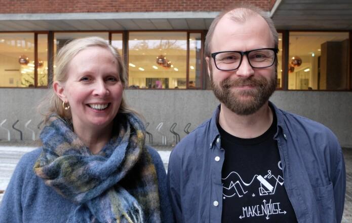 Marit Frederikke Markussen Bjorbækmo og Anders Krabberød forsker på protistene.