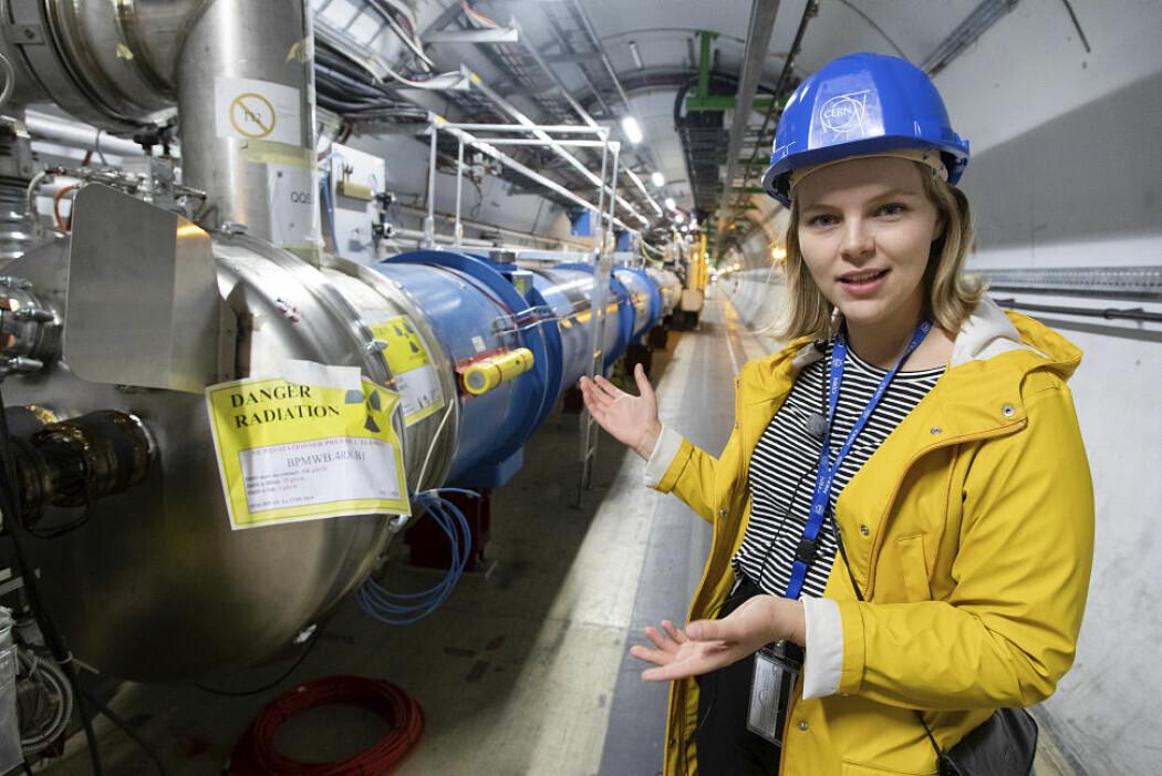 Selv om ingen partikkelfysikere har sett tegn til supersymmetri ennå, leter Eli Bæverfjord Rye etter to helt spesielle supersymmetriske partikler som kalles Chargino og Neutralino.