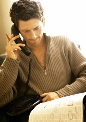 Mister du jobben, kan det lønne seg å flytte hjem til sine foreldre for å omgruppere. Da er sjansen nemlig større for å lande en bedre betalt jobb i neste omgang. (Foto: Colourbox)
