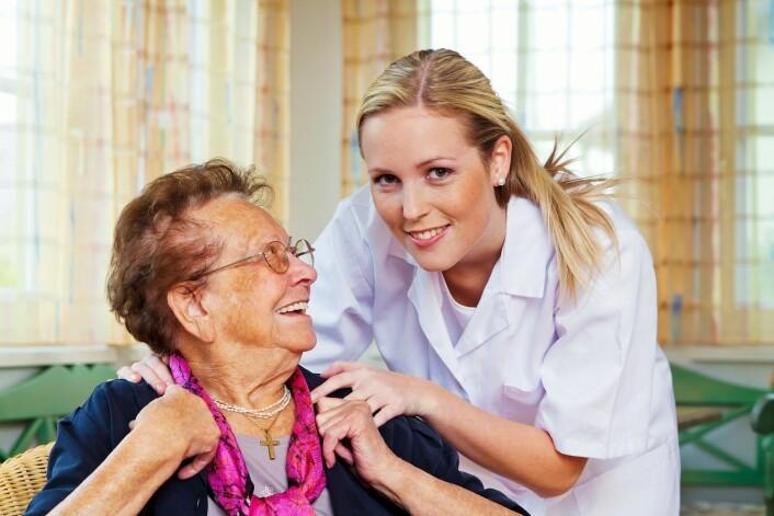 Hvor mye sykepleieren forteller pasienten, varierer både med personer og situasjon. (Foto: Colourbox)