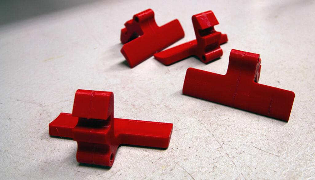 Et 3D-printet håndtak til 450 kroner sparer NTNU for et femsifret beløp. Og miljøet for materialer.