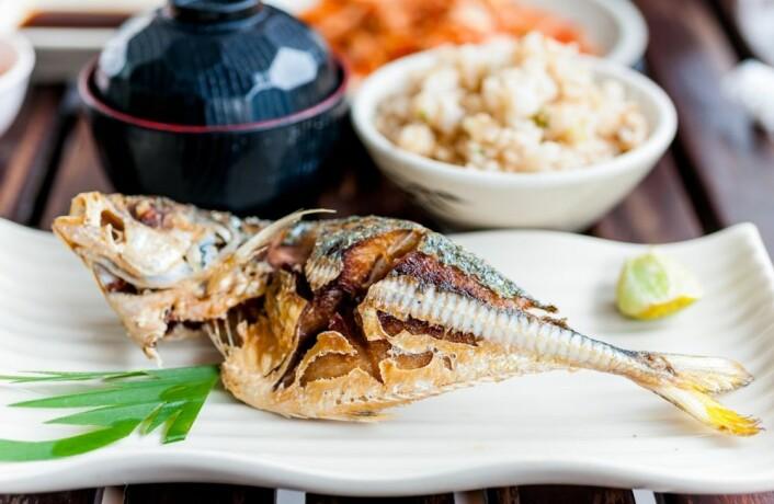 """Saba shio (""""saltet, grillet makrell"""") er den mest populære måten å bruke norsk makrell i Japan. Det er en enkel og smakfull rett som du ofte kan få på restauranter. (Foto: Colourbox)"""