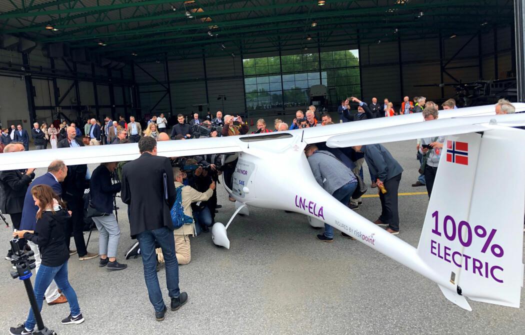 Det er en grunn til at elflyene som har blitt laget er såpass små. Bildet er fra Gardemoen etter en testflygning av et lite elfly i 2018.
