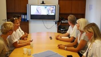 Spesialister ved Sunnaas i videokonferanse med kommunens behandlingsteam. (Foto: Sunnaas sykehus)