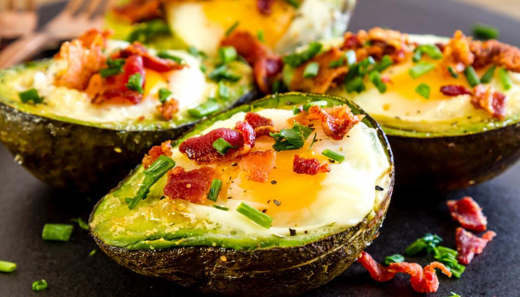 Avocado, kjøtt og ost. Dette er et måltid som inneholder mye fett, men som likevel kan være sunt. En svensk studie tyder på at flere unge spiser mindre karbohydrater og mer fett.