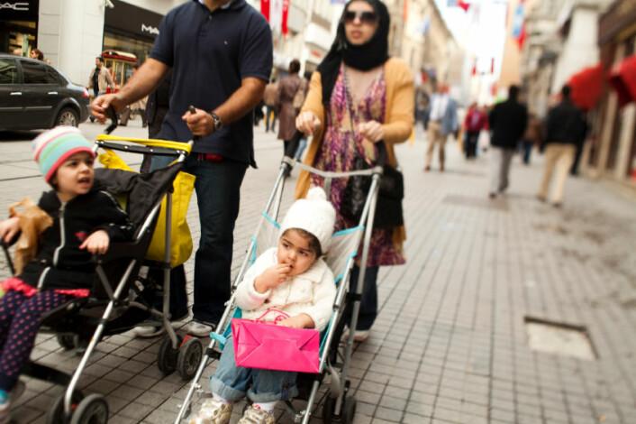 Barnevernsansatte tolker ofte problemer med minoritetsfamilier som et resultat av at foreldrene ikke er likestilte fremfor dårlig økonomi eller problemer på jobbmarkedet. (Foto: iStockphoto.com)