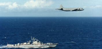 Orion-fly fra 333 skvadron over russisk marinefartøy. (Foto: Forsvaret)