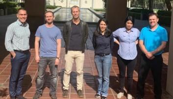Léon Reubsaet med medforfattarane frå Caltech. Frå venste: Spiros D. Garbis, Brett Lomenick, Reubsaet, Annie Moradian, Roxana Eggleston-Rangel og Michael J. Sweredowski.
