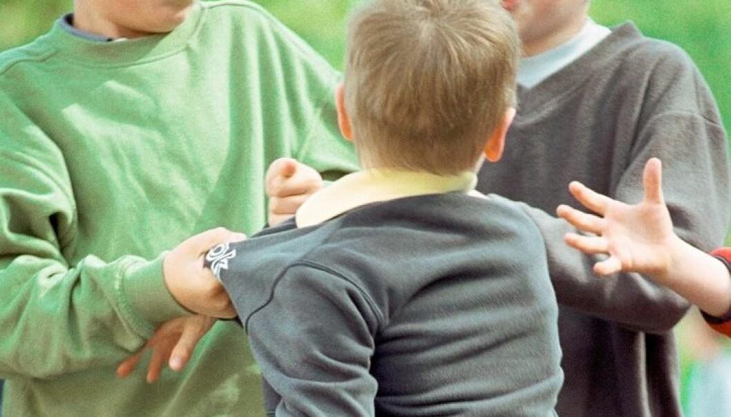 Seks prosent av elevene i barneskolen sier de blir mobbet minst to ganger i måneden. Colourbox
