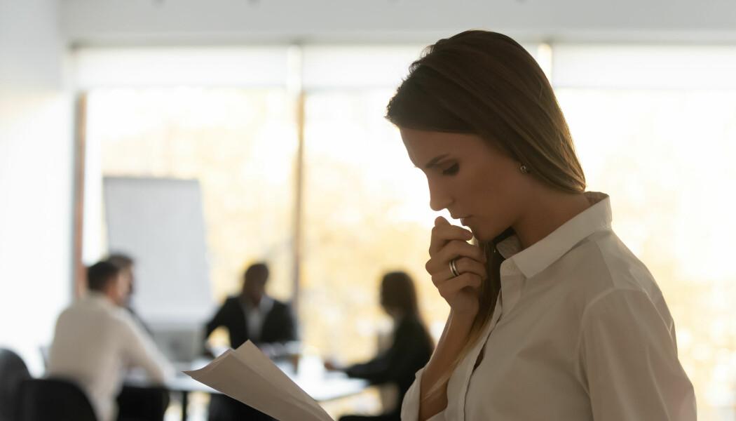 Gruer du ofte deg til presentasjonene på jobben? Opptil en tredel av befolkningen føler så sterkt ubehag av at mange blikk rettes mot dem når de skal ta ordet at det kan kalles problematisk presentasjonsangst.