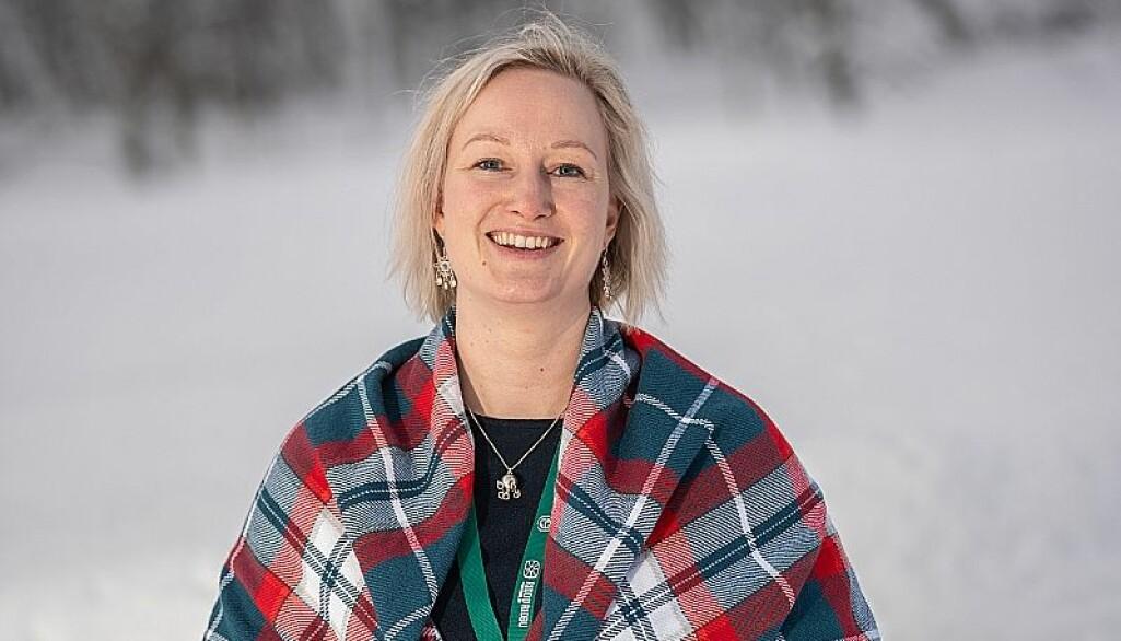 Kajsa Kemi Gjerpe er stipendiat ved Senter for samiske studier ved UiT. Hun forsker på det samiske innholdet i læreplanen.