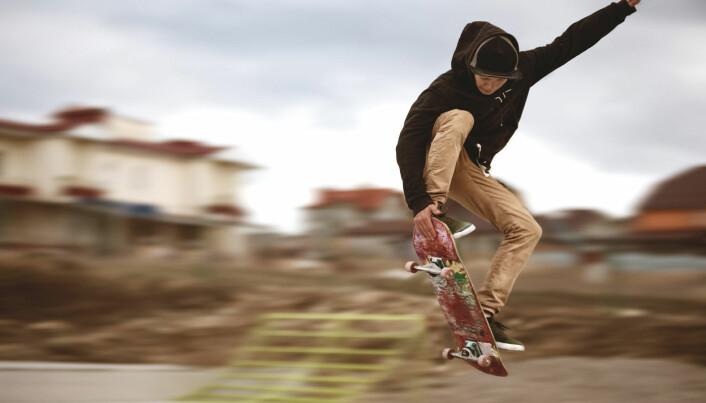 Skatere kan holde på å øve i timesvis - og har det ganske gøy underveis.
