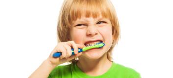 Hvorfor pusser vi tennene i kaldt vann?