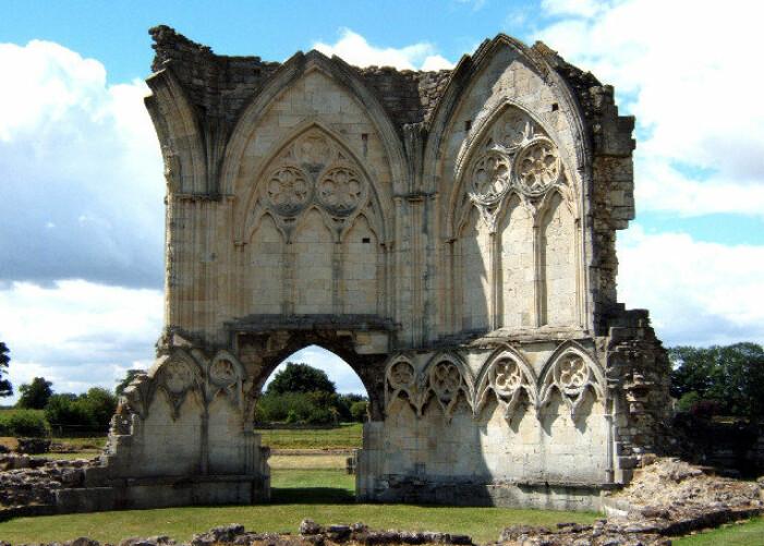 Noe av ruinene som fortsatt står etter klosteret i dag.