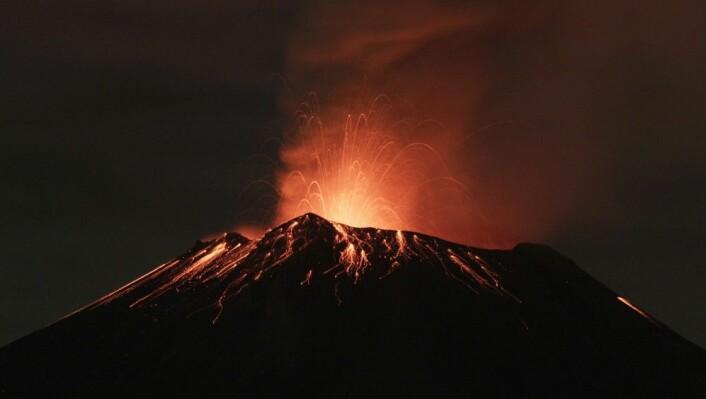 Vulkaner må ta sin del av skylda - de bidro med nikkel som gjorde Methanosarcina-mikroben i stand til å formere seg eksepsjonelt raskt. (Foto: Imelda Medina/Reuters)