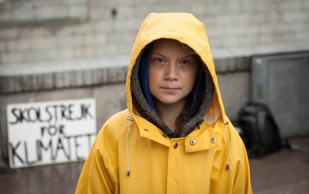 17 år gamle Greta Thunberg ble kjent i august 2018 da hun satt utenfor Riksdagshuset i Stockholm med plakaten «Skolstrejk för klimatet».