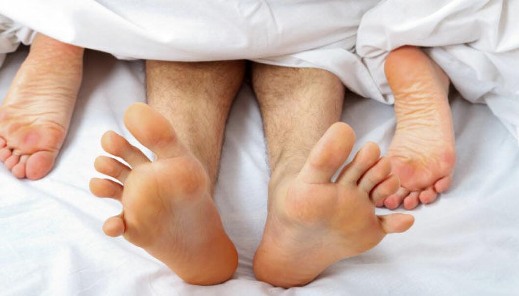 Sex kan være trygt, selv om partneren er HIV-smittet. Behandlingen mot HIV er nemlig blitt så effektiv at den minimerer sjansen for at viruset kan overføres seksuelt. iStockphoto
