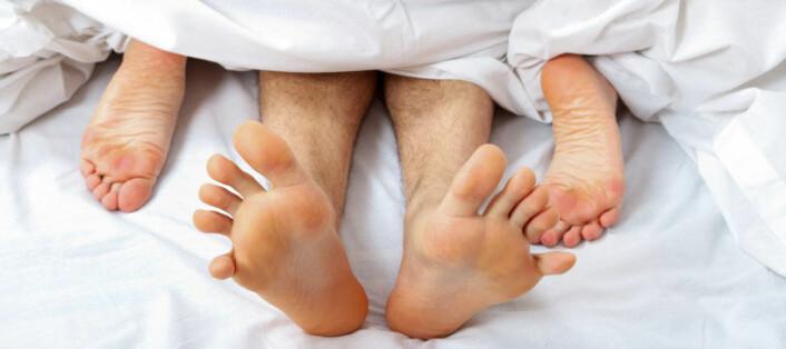 Sex kan være trygt, selv om partneren er HIV-smittet. Behandlingen mot HIV er nemlig blitt så effektiv at den minimerer sjansen for at viruset kan overføres seksuelt. (Foto: iStockphoto)