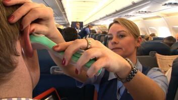 Her testes telemedisinsystemet Tempus ut ombord i fly. Øretermometer og telemedisin er bare noen av de medisinske nyvinningene vi har fått fra romteknologien. (Foto: RDT)