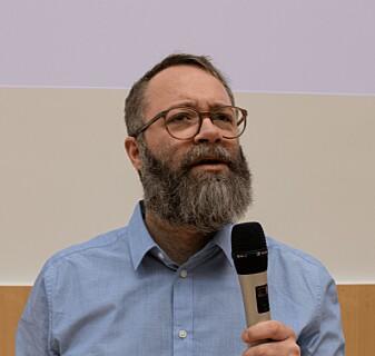 – Dette kan være et alternativ til å bruke forsøksdyr og kan begrense risiko for at pasienter får bivirkninger av medisiner, sa professor Steven Ray Wilson da han snakket om «organer-på-brikke»-teknologi under Oslo Life Science-konferansen.