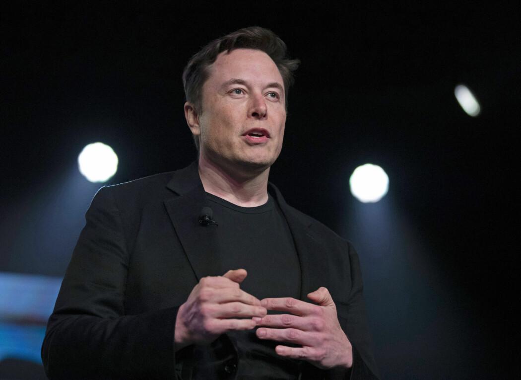 Elon Musk har advart mot konsekvensene av dårlig bruk av kunstig intelligens i flere år, selv om firmaet hans også bruker teknologien.