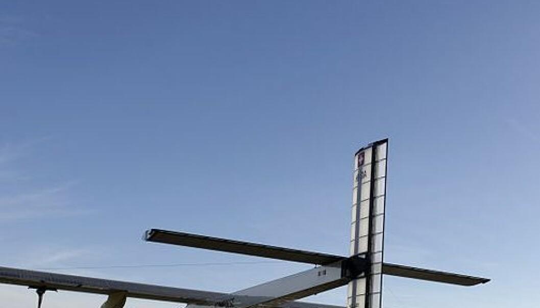 Flyet Solar Impulse flyr på solkraft med hjelp av 12000 solceller. Wikimedia Commons