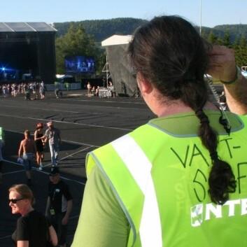 Den gode atmosfæren lokker turister til å jobbe på festivaler. (Foto: Anne Sigrid Haugset)