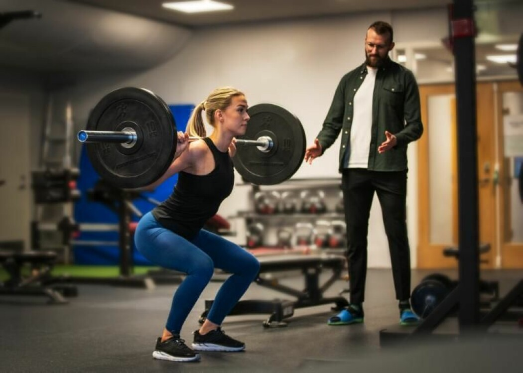 Knebøy er ikke noe dårligere rumpeøvelse enn hip thrust eller hoftehev, forskning viser tvert imot.