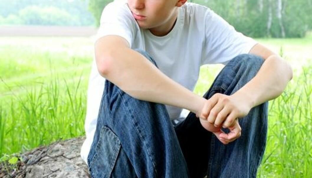 Menn som hadde oppgitt at de var mye ensomme i 12-13-årsalderen, hadde høyere risiko for å begå selvmord, viser svensk studie. Colourbox