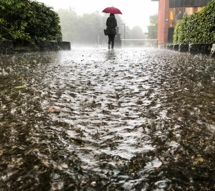 Værvarsling er forskningsbasert og det gjøres utrolig mye forskning, blant annet for å forbedre varslene på Yr. Men selve været får de ikke gjort noe med.