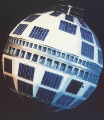 Telstar 1, den første satellitten som overførte tv-signaler over Atlanterhavet, ble skutt opp 10. juli 1962. (Foto: Wikimedia)