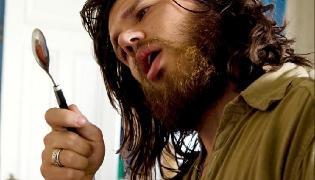 Karakteren Robert fra filmen Den siste revejakta, her i Nicolai Cleve Brochs skikkelse, er ikke den skarpeste kniven i skuffen. Ny forskning antyder at det kan være et generelt trekk ved folk som røyker mye cannabis. Henriette Berg Thomassen/Maipo Film & TV