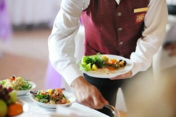 Unge nordmenn har ikke tenkt seg inn i serveringsbransjen. (Illustrasjonsfoto: Colourbox)