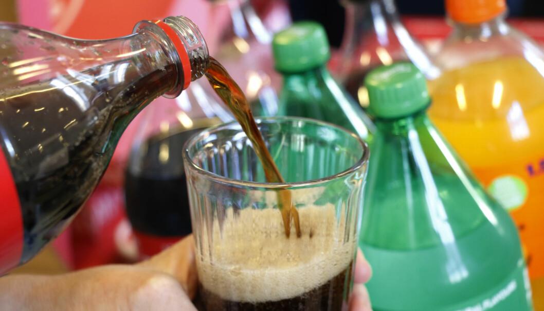 En ny studie kobler sukkersøtet drikke til ugunstige fettstoffer i blodet.