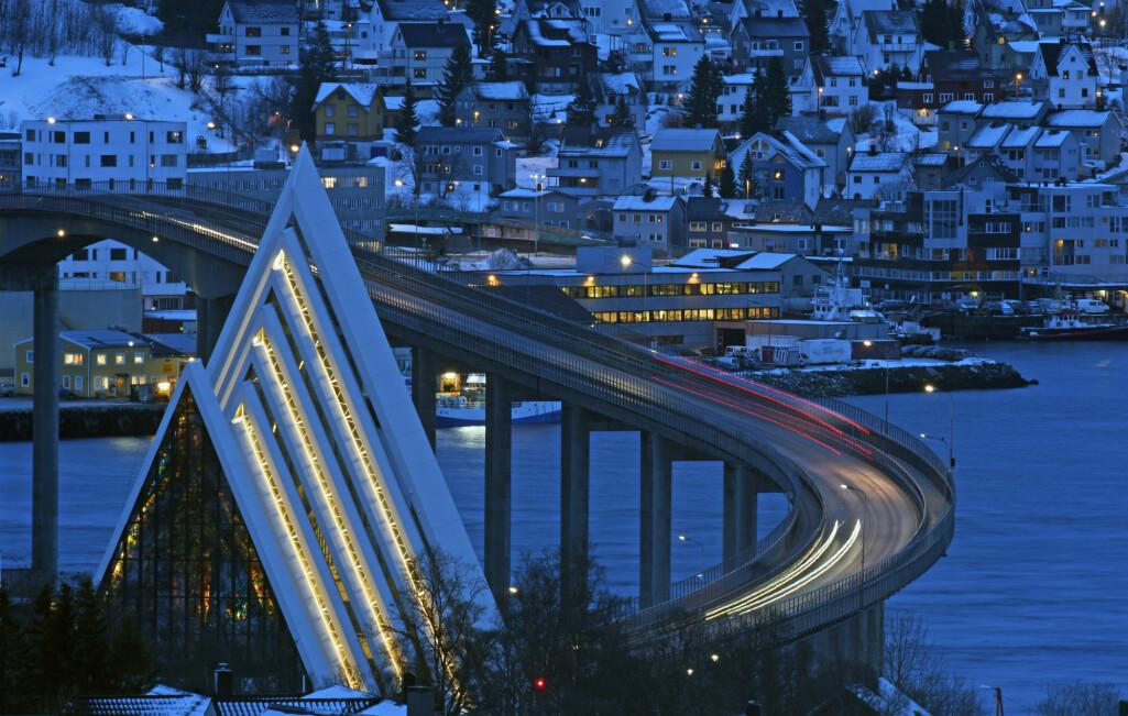– Det lar seg vanskelig begrunne at en by som for eksempel Kongsvinger – som ligger kun én time fra Oslo, har nesten like lav avgift som Tromsø, mener rettsforsker Stig Eidissen.