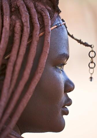 Kvinne fra Himba-samfunnet i Namibia.
